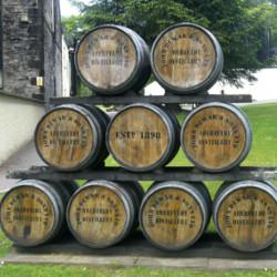 Fûts de vieillissement de whisky à Aberfeldy