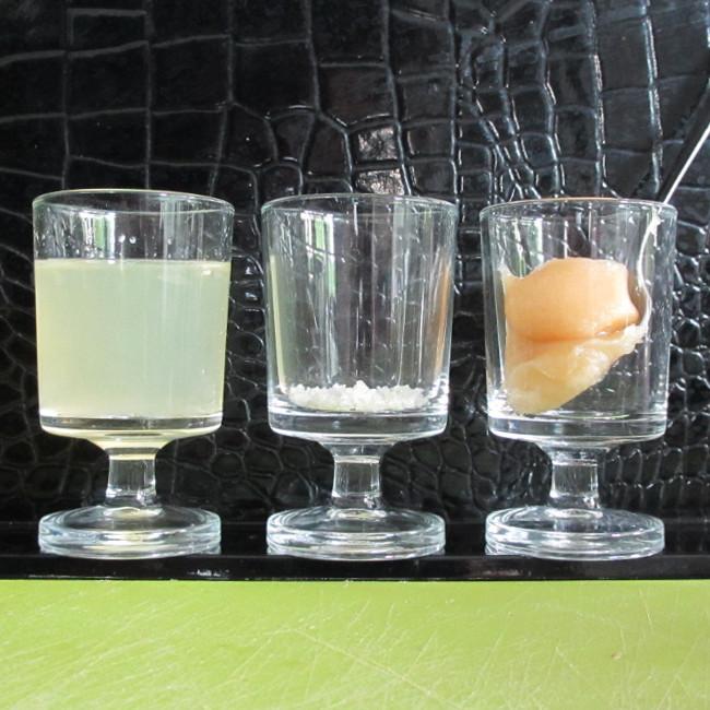 Pour te gargariser : du miel, du citron et du sel