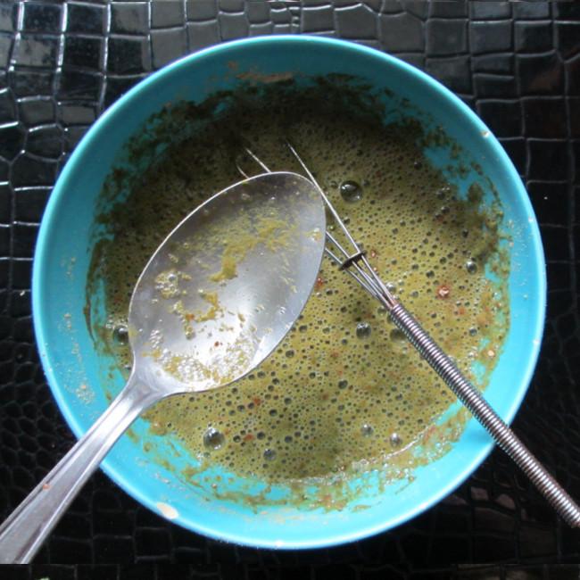 Etape 8 : ajoute ensuite une cuillère à soupe de sirop d'agave, ou de miel ou de glycérine